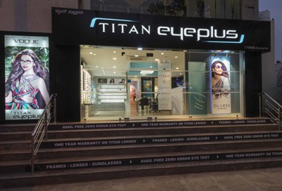 AP Titan-Eyeplus-eyewear-store-by-Foley-Designs-Bangalore-India-08